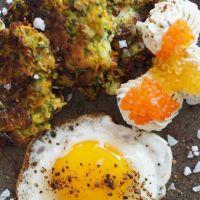 Gemüsepuffer mit Oberskrencreme und Kaviar